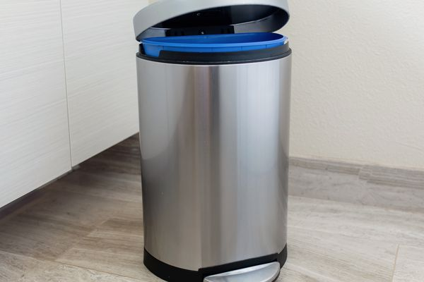 trashcan with an open lid