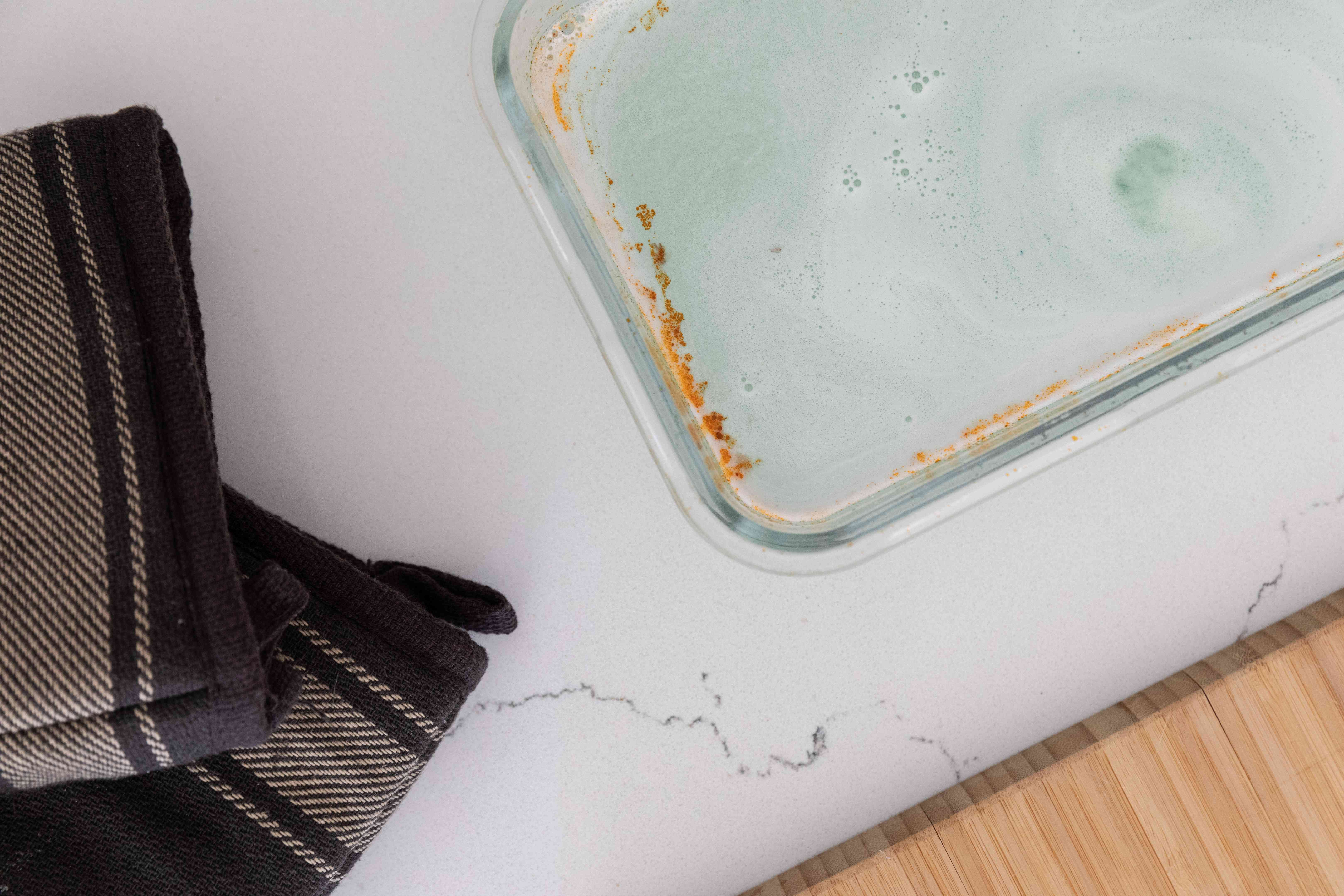 using denture tablets to clean glass bakeware