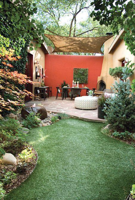 Jardín de sombra con elementos de influencia asiática.