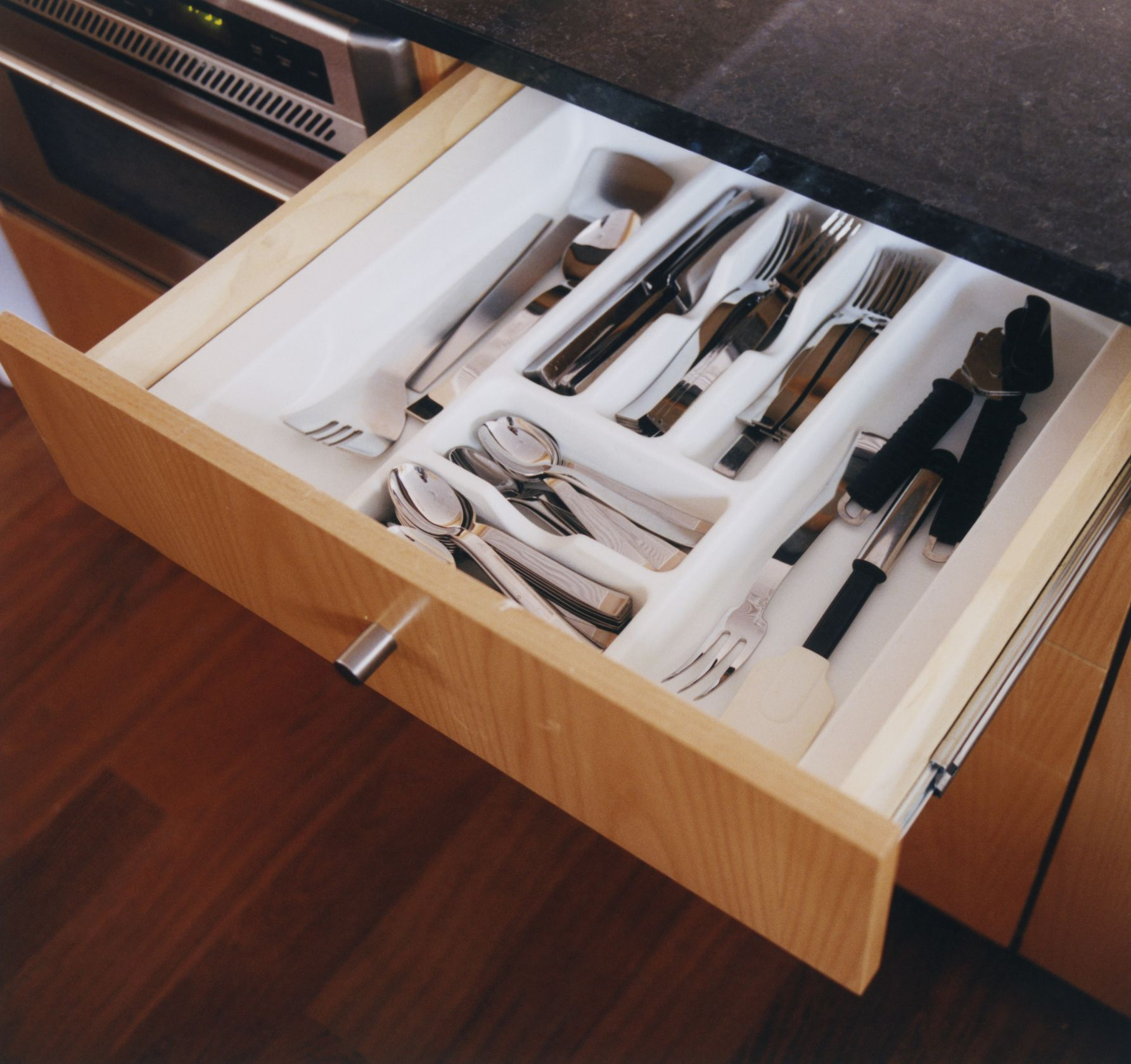 The 8 Best Drawer Organizers To Buy In 2018