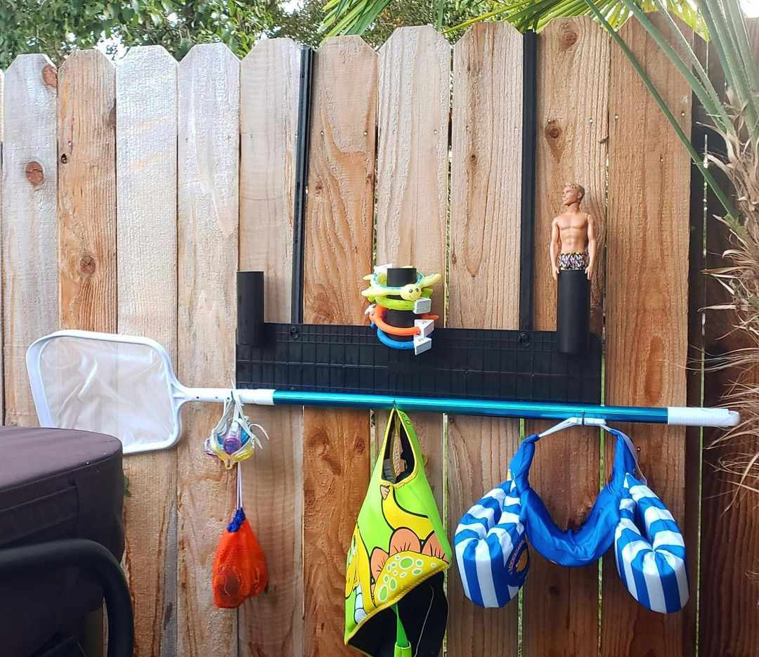 Hanging tool with pool gear