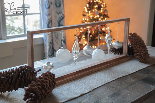Prime 22 Pretty Christmas Table Decorations And Settings Interior Design Ideas Tzicisoteloinfo