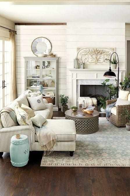 Sala de estar de estilo rústico francés